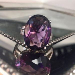 Beautiful Amethyst Gemstone fashion Ring